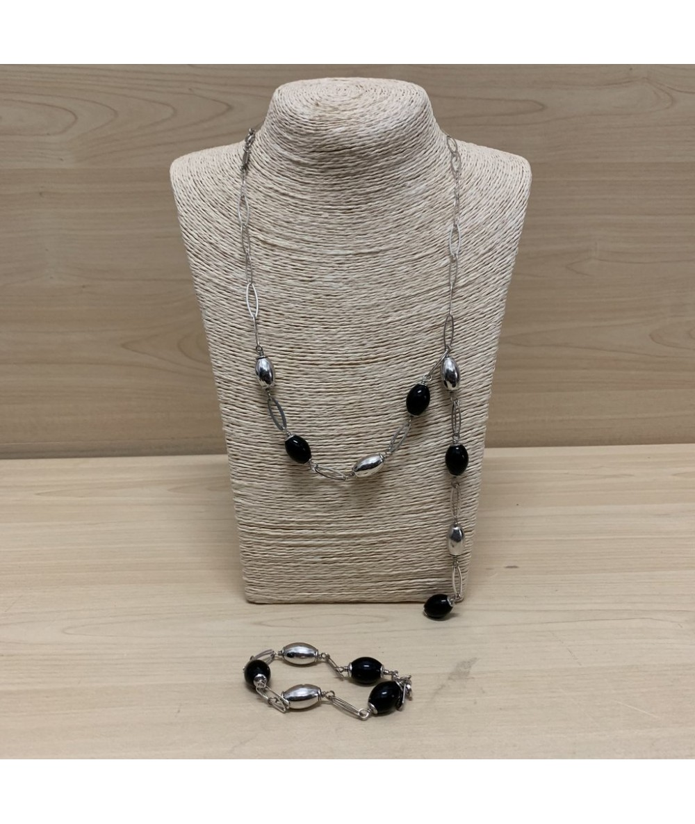 COMPLETE Silver necklace and bracelet with black stones