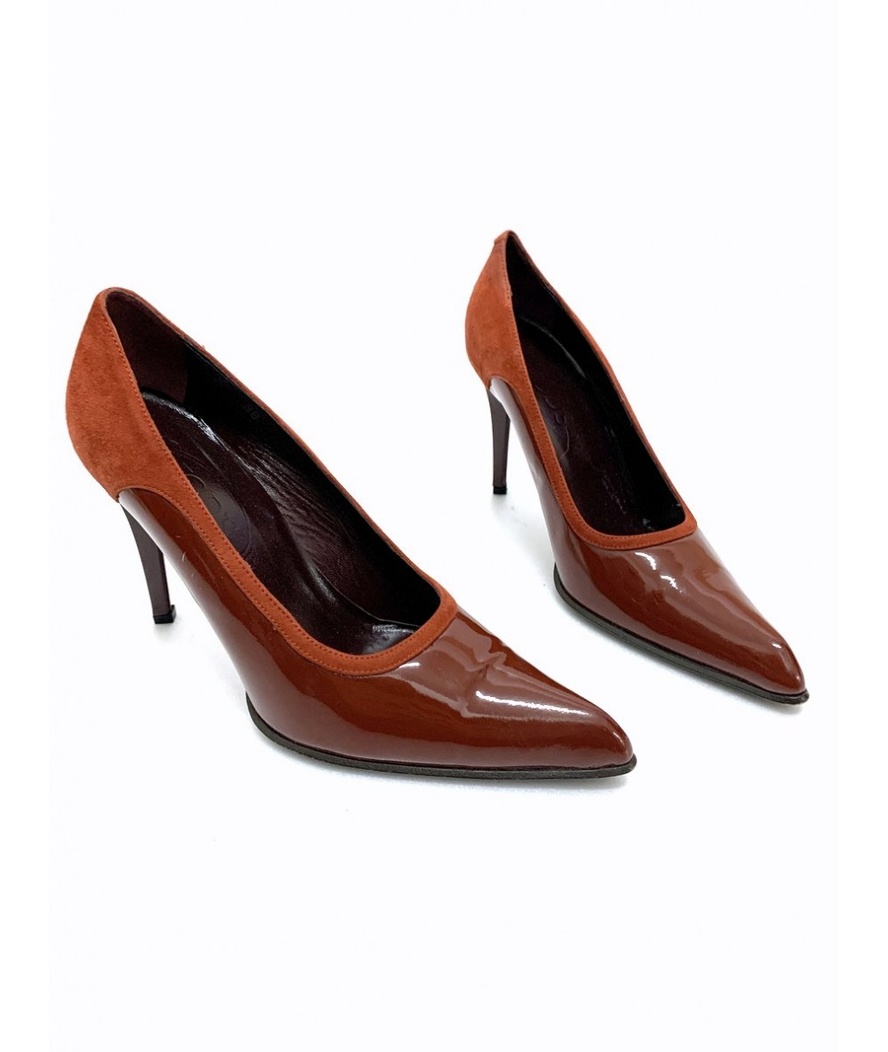 Tod's Shoes size 38 in rust-colored patent leather
