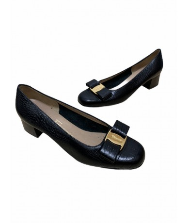 Salvatore Ferragamo women's shoes size US 5.5 (It 26.5) black color