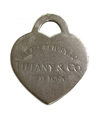 Tiffany & Co. Heart pendant in silver measuring 3x4 cm