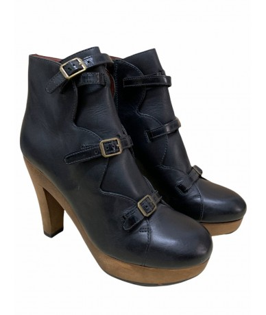 See By Chloè Leather ankle boots size 40 black color